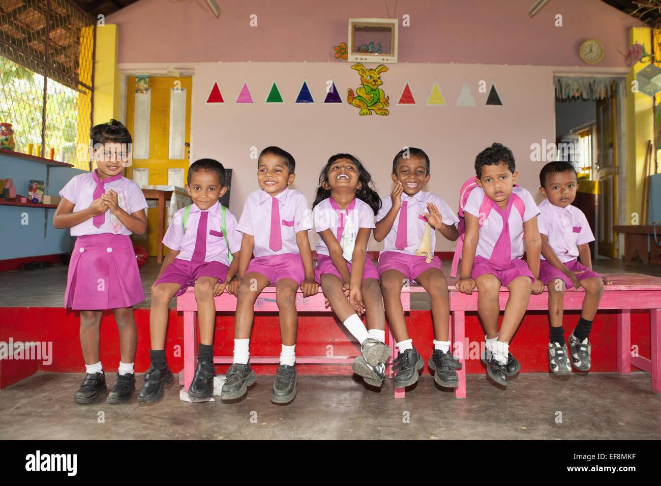 PRIMARY SCHOOL CHILDREN IN LOCAL SCHOOL - Stock Image