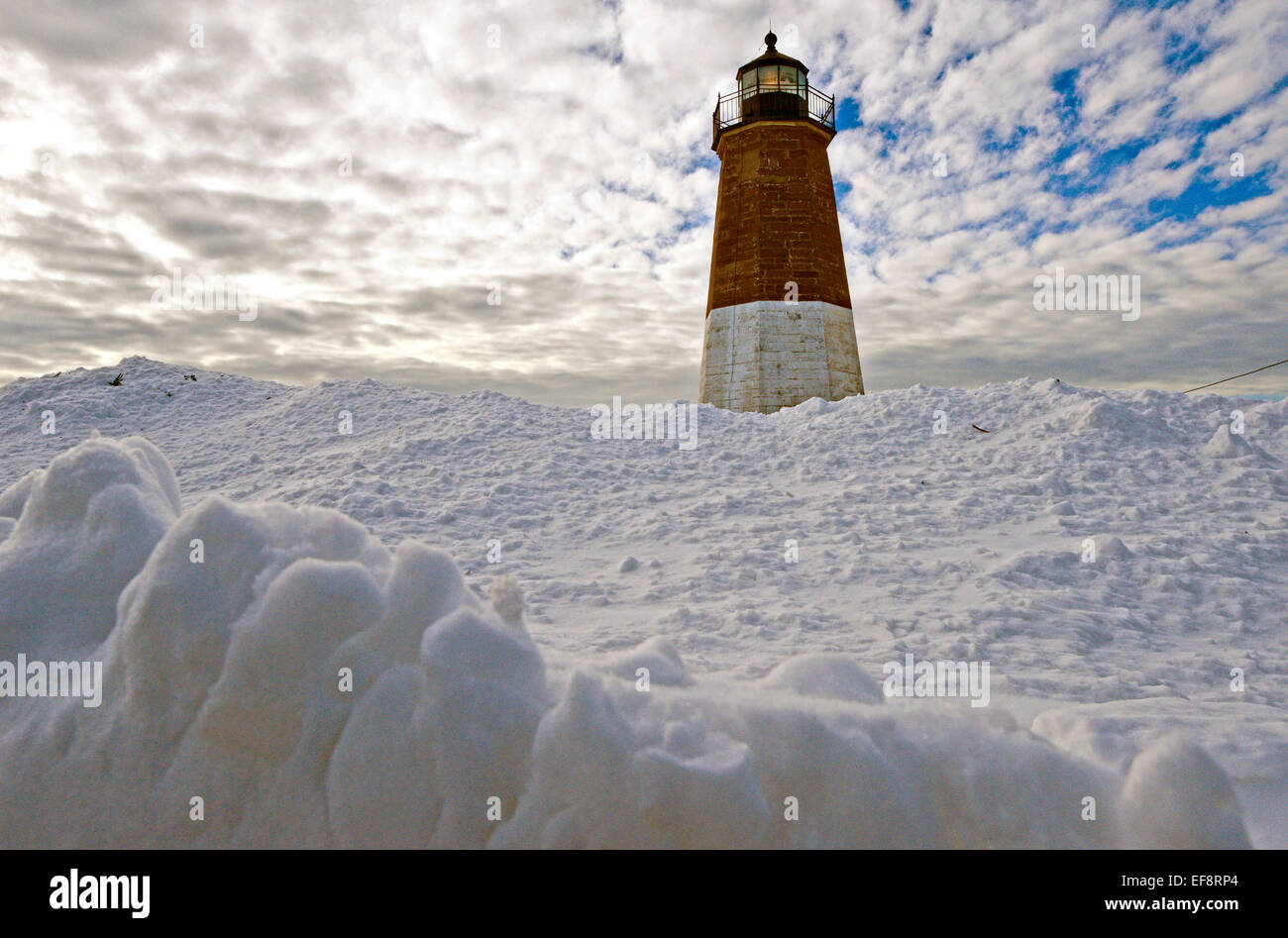 Pleasing Snow Covers The Point Judith Lighthouse As Winter Storm Juno Download Free Architecture Designs Scobabritishbridgeorg
