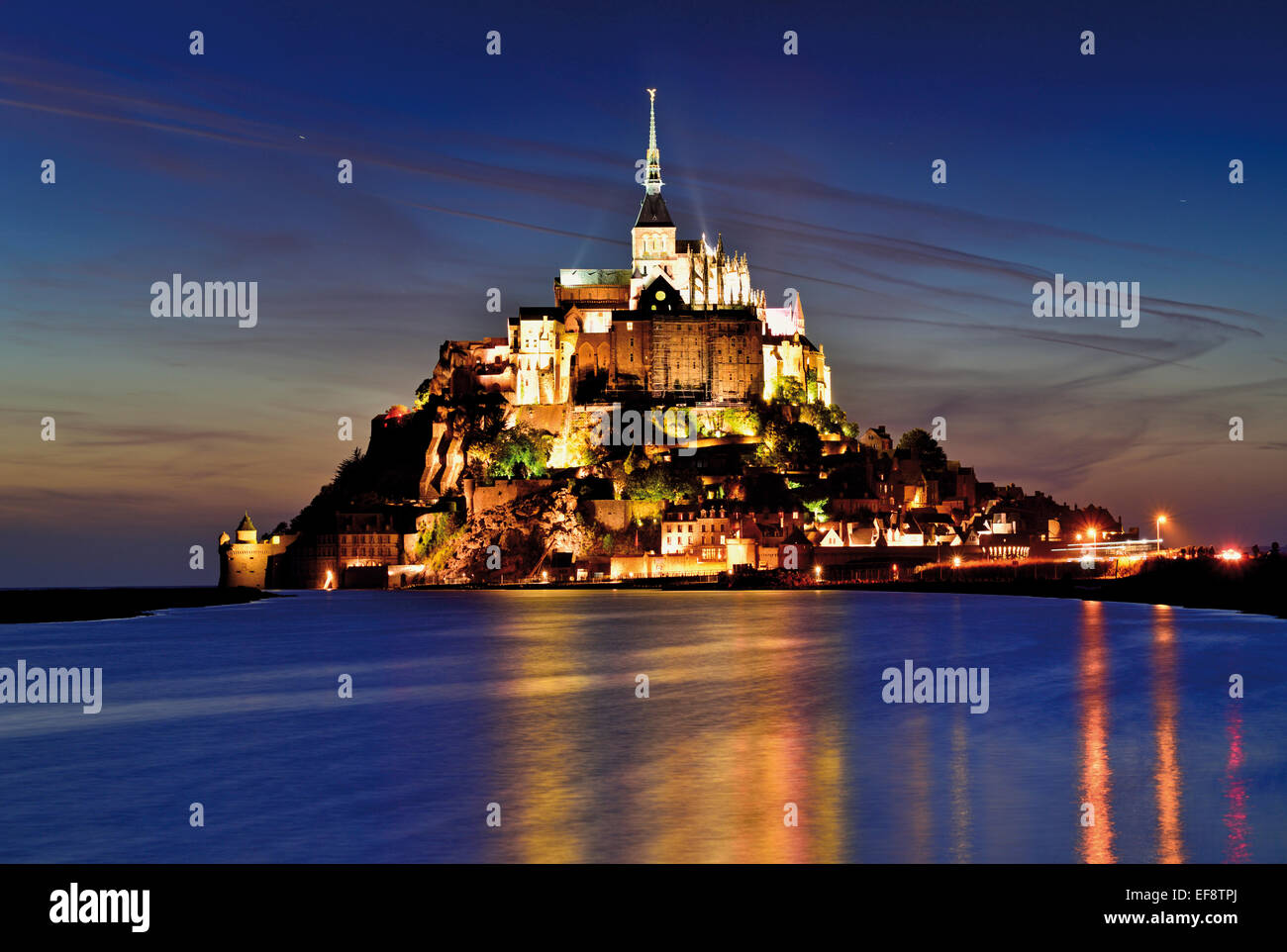 France, Normandy: Illuminated  Le Mont Saint Michel by night - Stock Image