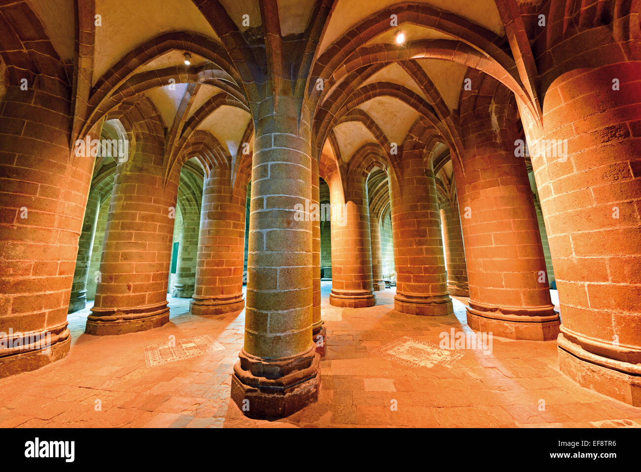 France, Normandy: Detailed  view of the  Great Pillar Crypt of the Abbey St. Pierre in Le Mont St. Michel - Stock Image