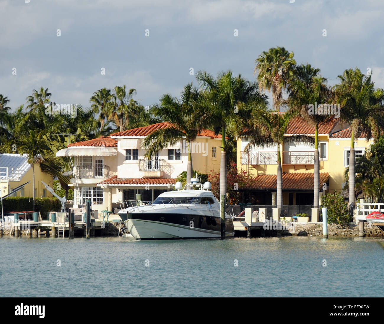 Luxury Waterfront Homes: Mansion Miami Stock Photos & Mansion Miami Stock Images