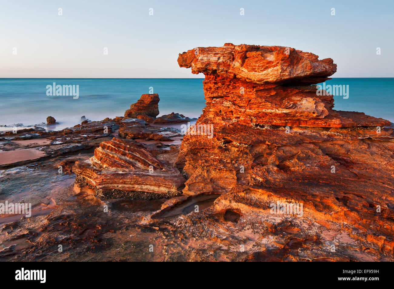 Rock formation in Roebuck Bay Broome. - Stock Image