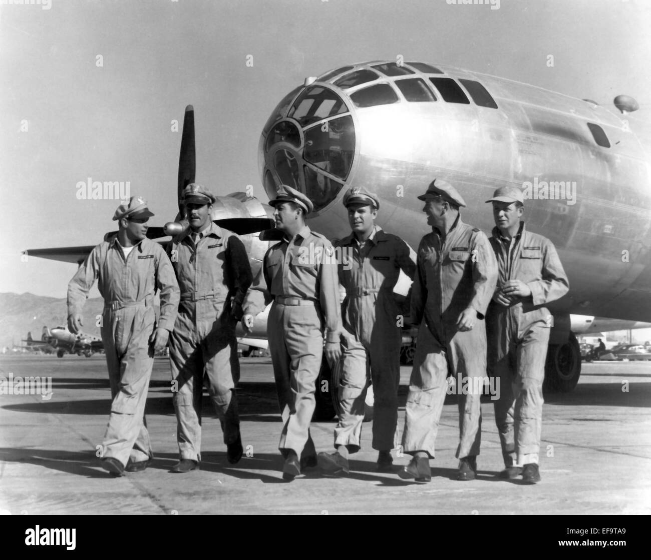 STEPHEN DUNNE, ROBERT TAYLOR, LARRY KEATING, LARRY GATES, JAMES WHITMORE, ABOVE AND BEYOND, 1952 Stock Photo