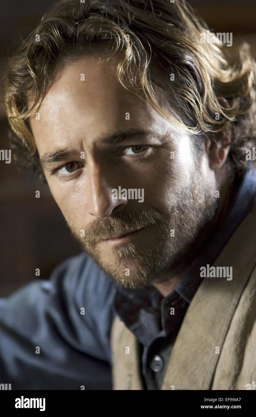 LUKE PERRY A GUNFIGHTER'S PLEDGE (2008) - Stock Image