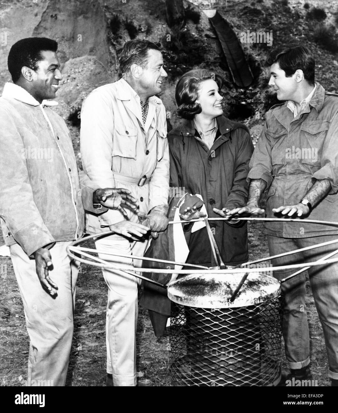 HARI RHODES, MARSHALL THOMPSON, CHERYL MILLER, YALE SUMMERS, DAKTARI, 1966 - Stock Image