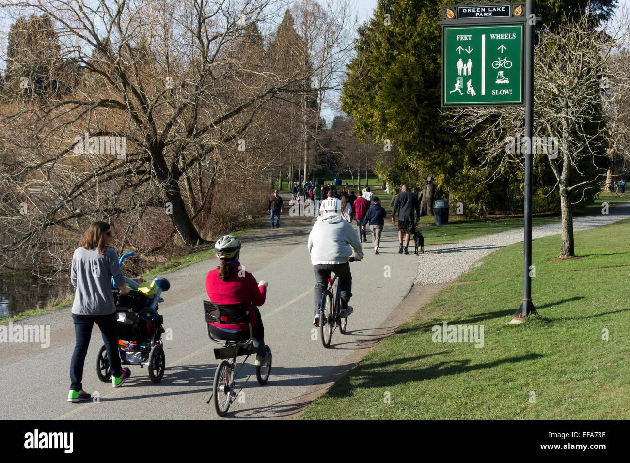 pedestrian and wheeled traffic at Green Lake Park, Seattle, Washington State, USA - Stock Image