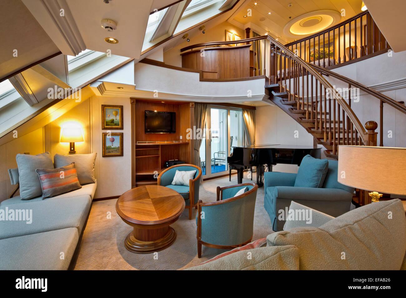 P Amp O Cruise Ship Interiors Southampton United Kingdom