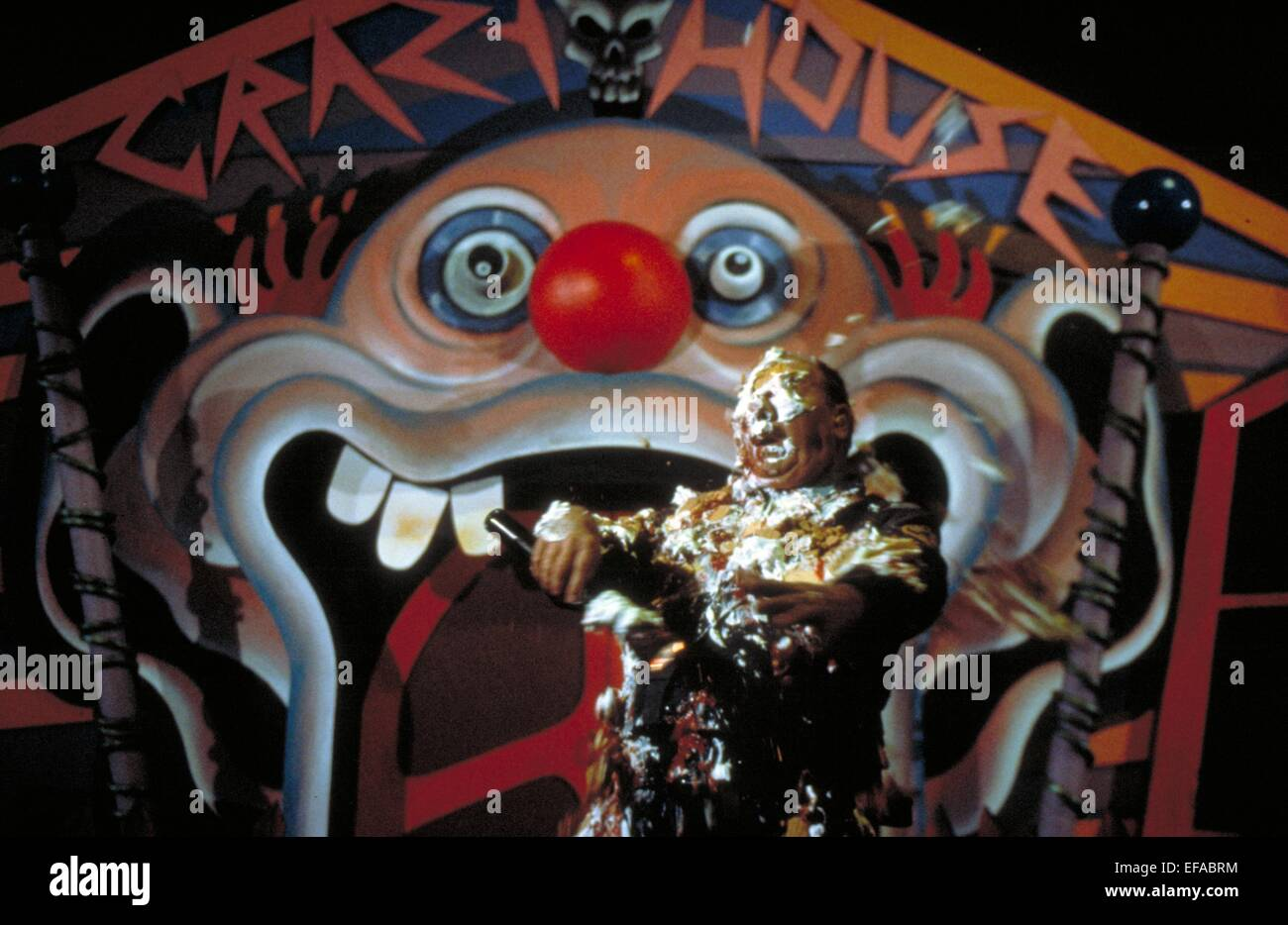 MOVIE SCENE KILLER KLOWNS FROM OUTER SPACE 1988