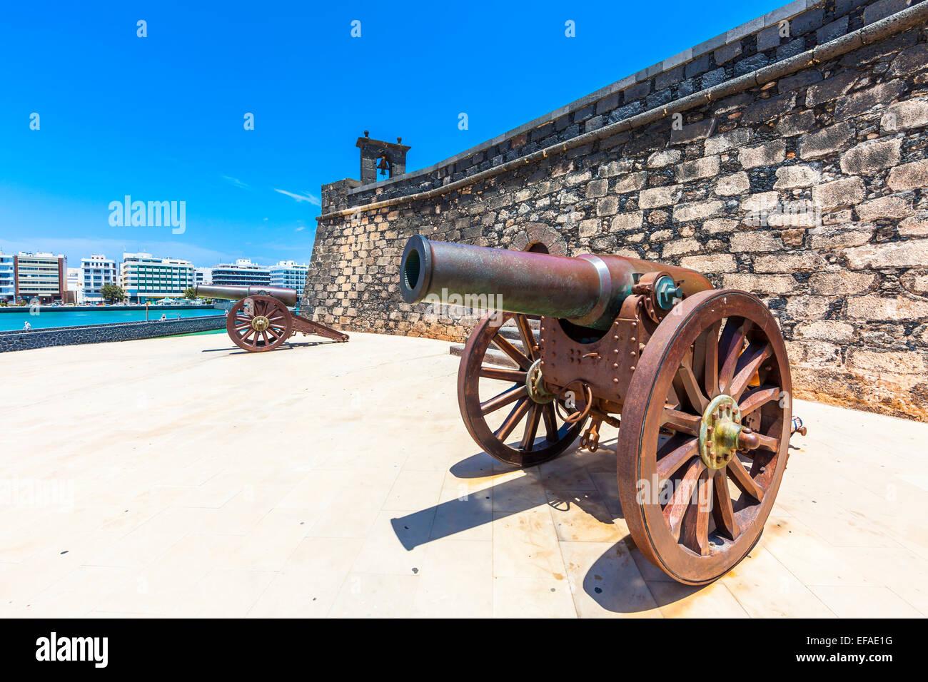 Old cannon outside the castle Castillo de San Gabriel, Arrecife, Lanzarote, Canary Islands, Spain Stock Photo