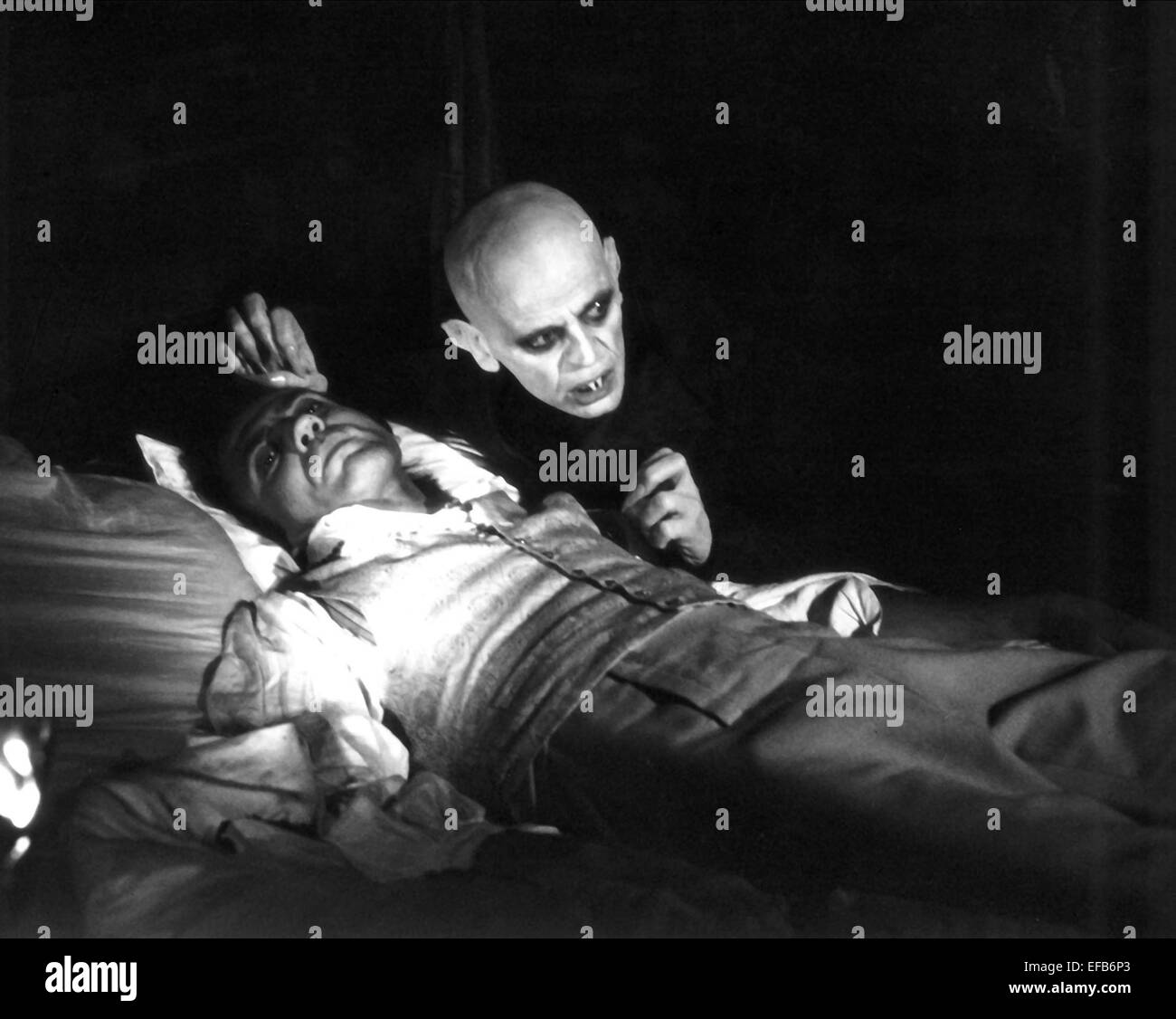 BRUNO GANZ & KLAUS KINSKI NOSFERATU THE VAMPYRE (1979) Stock Photo