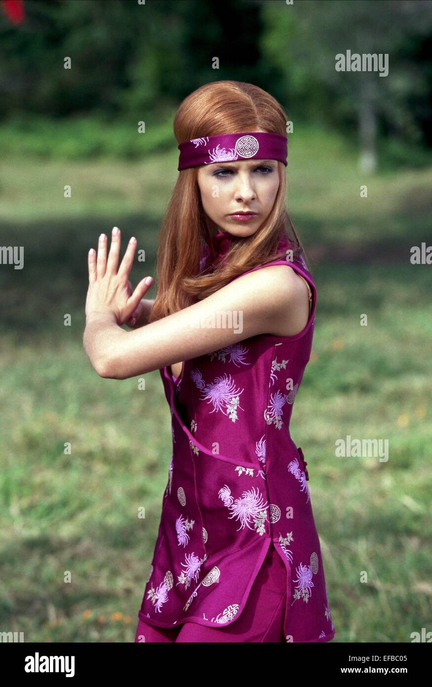 Sarah Michelle Gellar Scooby Doo 2 Monsters Unleashed 2004 Stock Photo Alamy