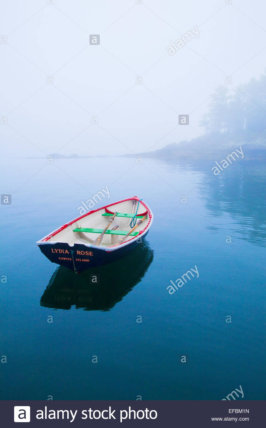 0905-1013  Copyright: George H.H. Huey  Rowboat near Curtis Island, Camden, Maine. - Stock Image