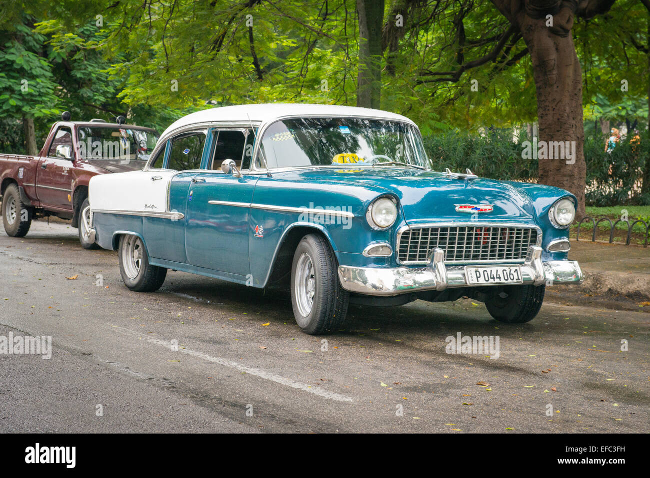 Cuba Old Havana La Habana Vieja blue white classic Chevrolet Chevy US American 1950's 50's car taxi cab - Stock Image