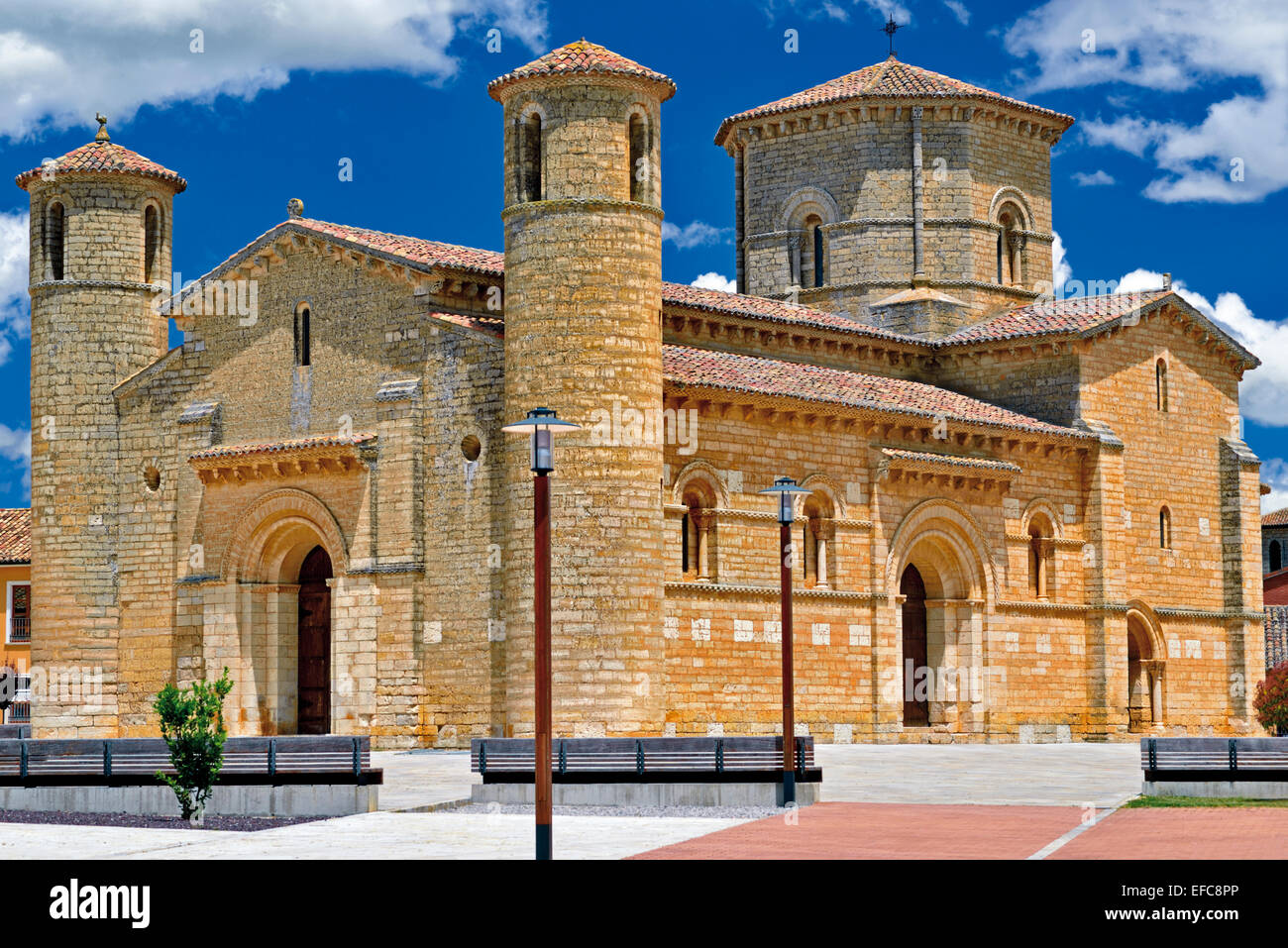 Spain, Castilla-Leon: Romanesque church San Martin in Fromista - Stock Image