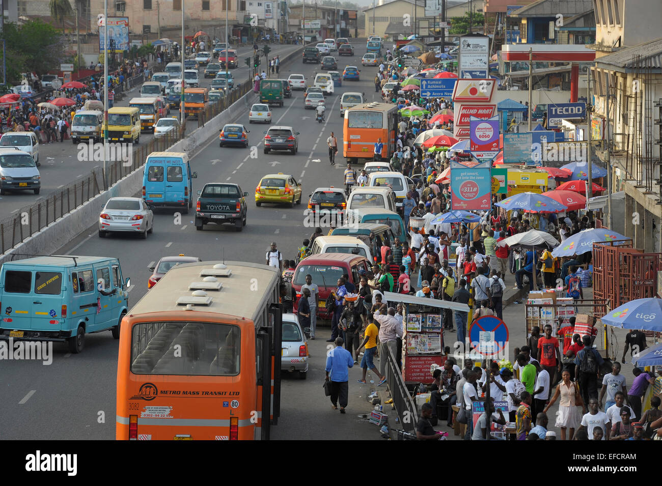 Main thoroughfare in downtown Accra, Ghana, West Africa. - Stock Image