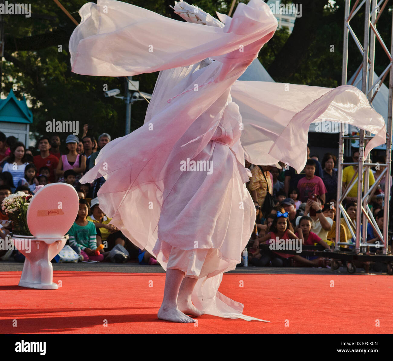 Avant Garde Butoh performer, Dance of Darkness in Bangkok, Thailand - Stock Image