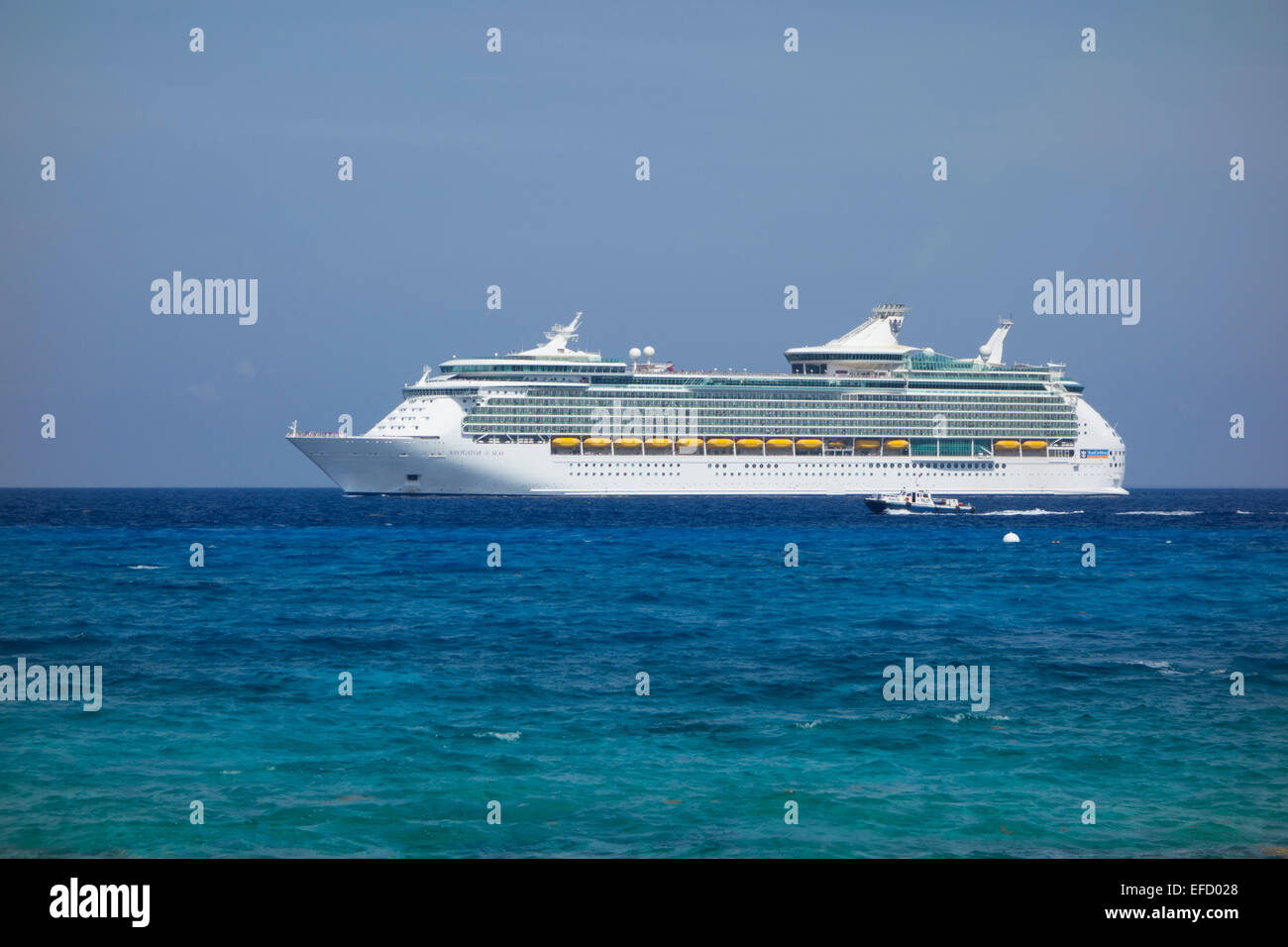 Luxury cruise ship Navigator of the Seas - Stock Image