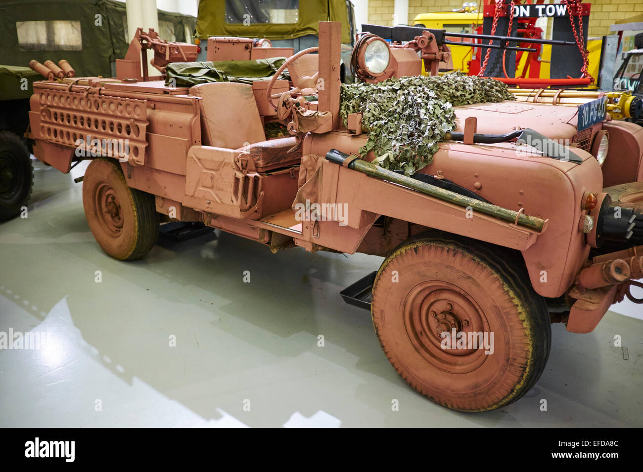 land sale dioramas and panther builds scale armour tutorials pinterest ulster royal landrover accurate models pink from constabulary rovers pin rover great for