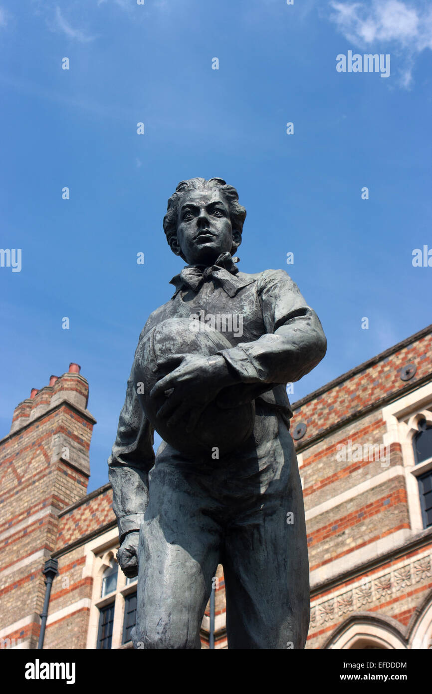 Statue of William Webb  Ellis outside Rugby School, Warwickshire - Stock Image