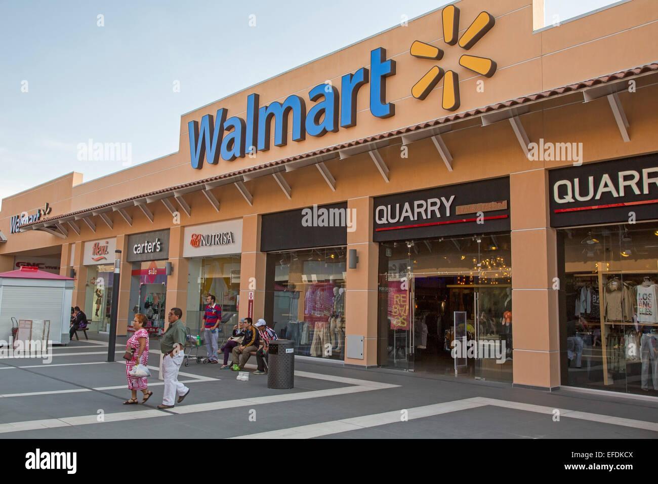 Walmart Shopping Center Stock Photos & Walmart Shopping Center Stock ...