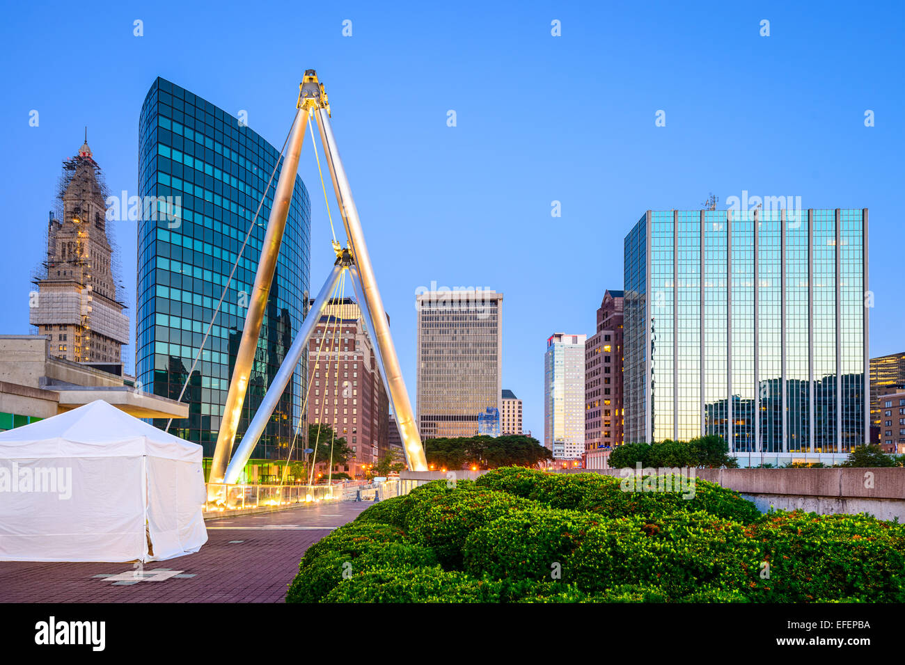 Hartford, Connecticut, USA skyline from Founders Bridge. - Stock Image