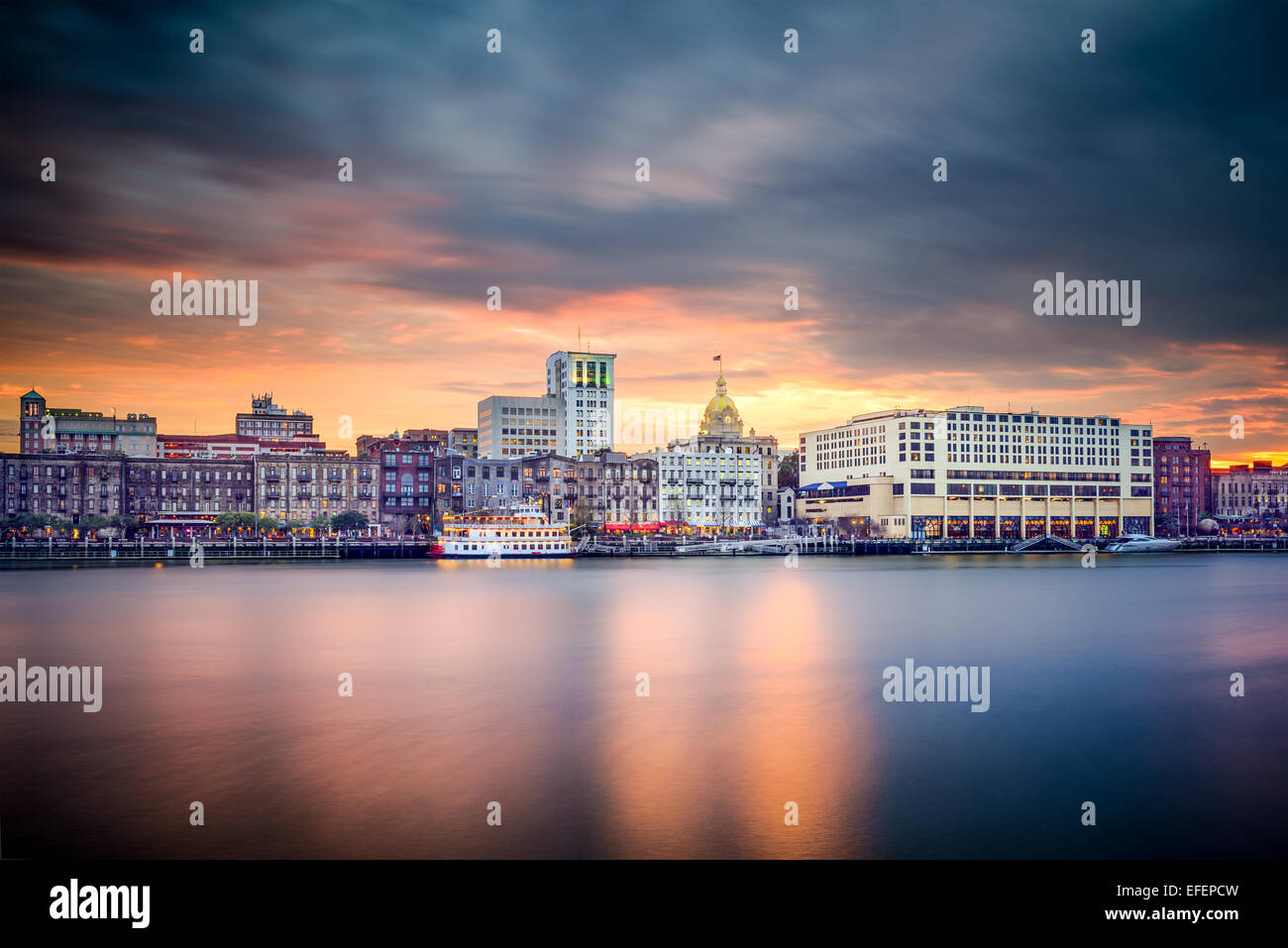 Savannah, Georgia, USA riverfront skyline. - Stock Image