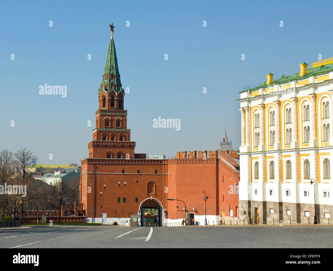Borovitskaya tower: description and photo 13