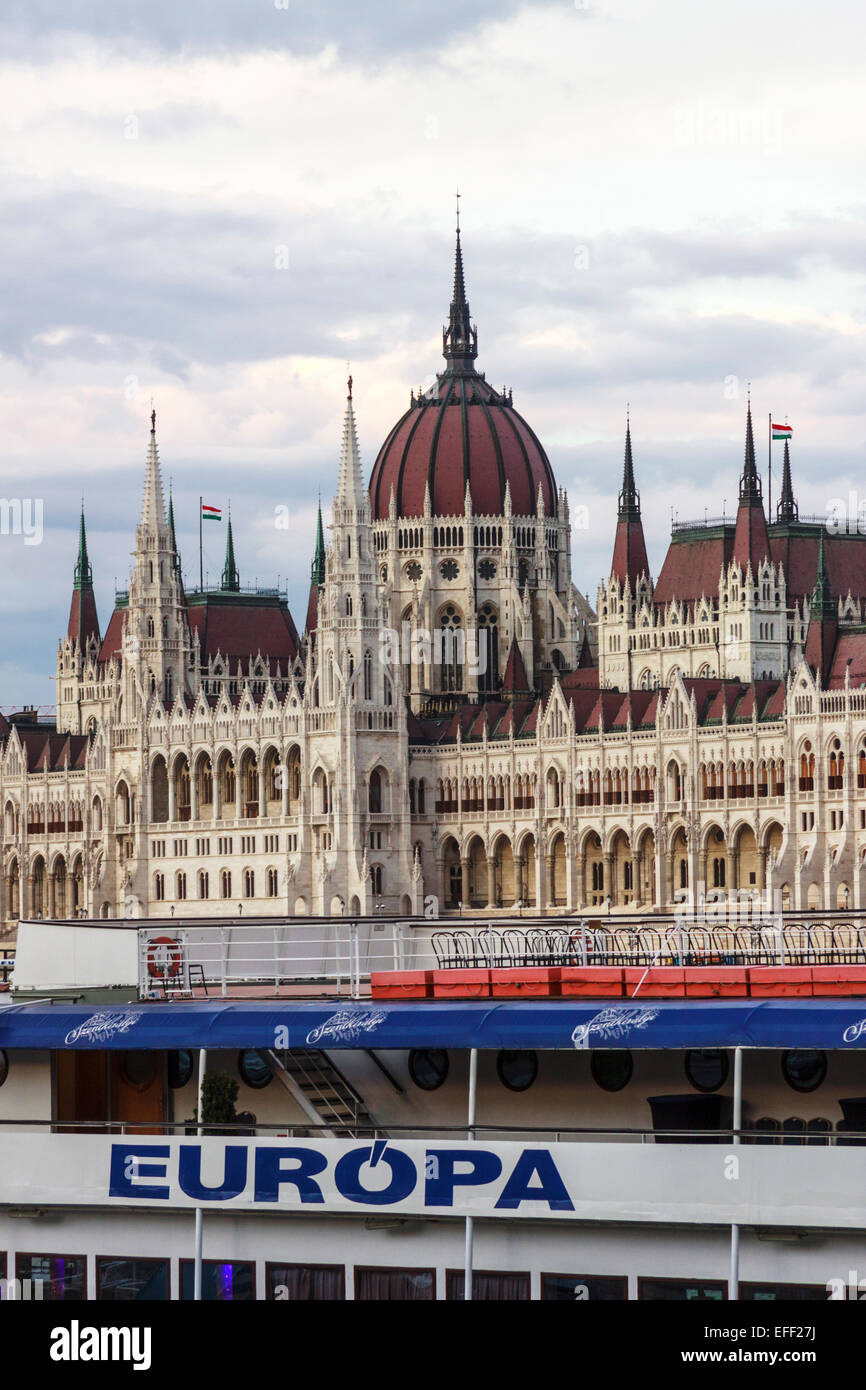 Parliament building and Europa cruise ship. Budapest,  Hungary - Stock Image