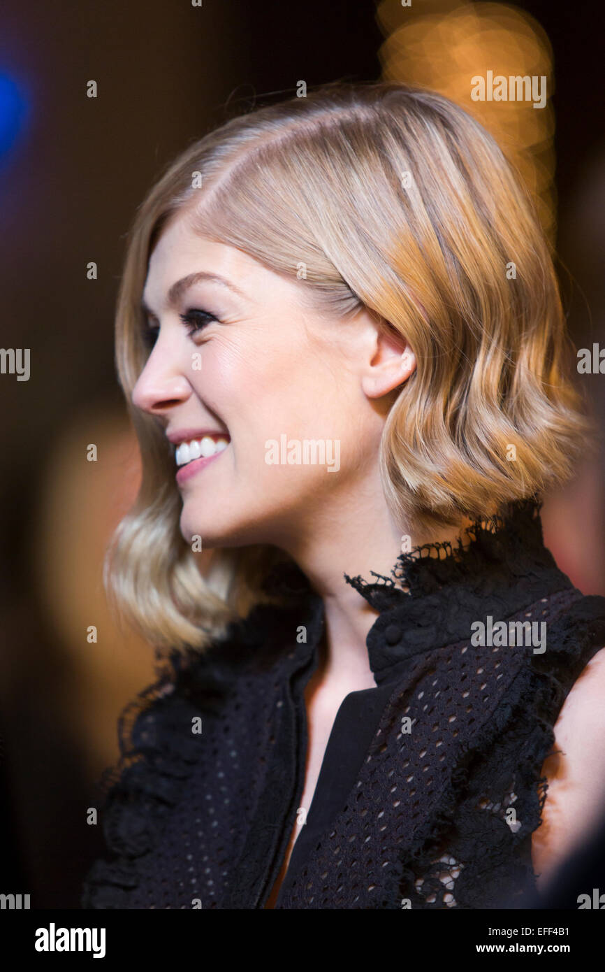 Santa Barbara, California, USA. 1st Feb, 2015. Actress Rosamund Pike arrives at the 30th Santa Barbara International - Stock Image