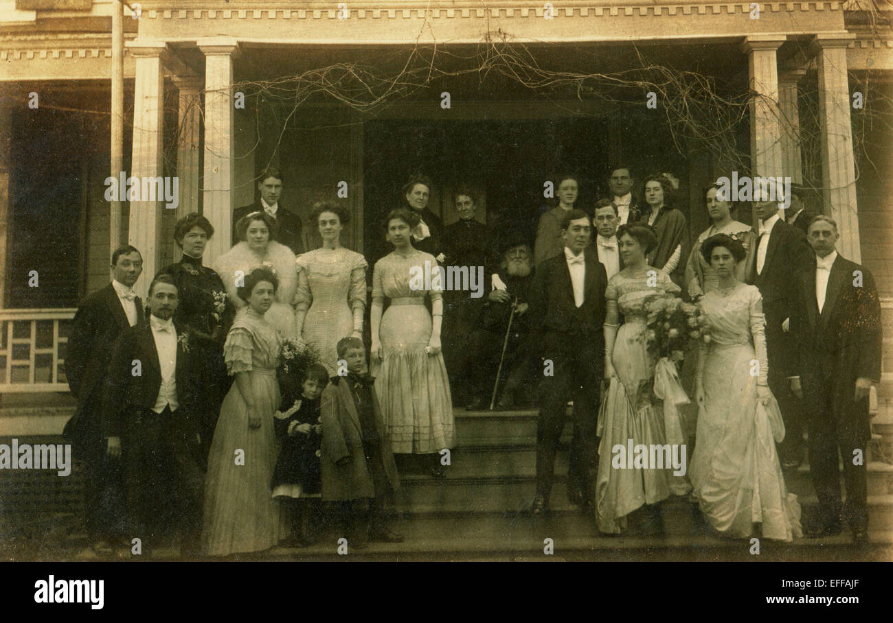 Dec. 12, 2014 - CANADA - CIRCA 1890s: Reproduction of an antique photo shows large group of people posing on the - Stock Image