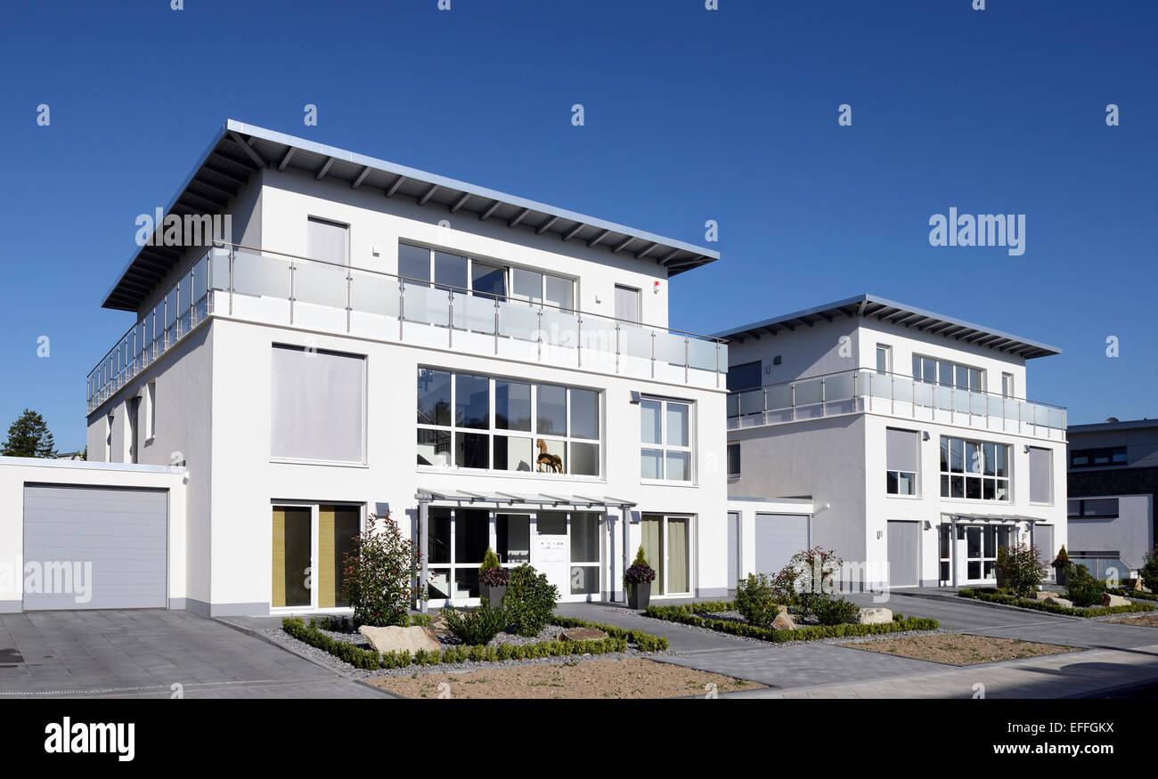 Germany, North Rhine-Westphalia, Moenchengladbach, two newly built apartment houses - Stock Image