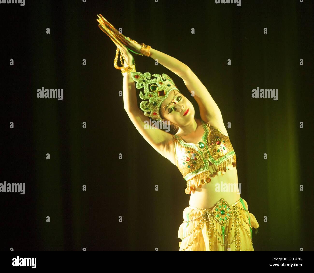 Dhaka, Bangladesh. 3rd Feb, 2015. A Chinese cultural troupe enthralls Dhaka audience performing dance, music, magic Stock Photo