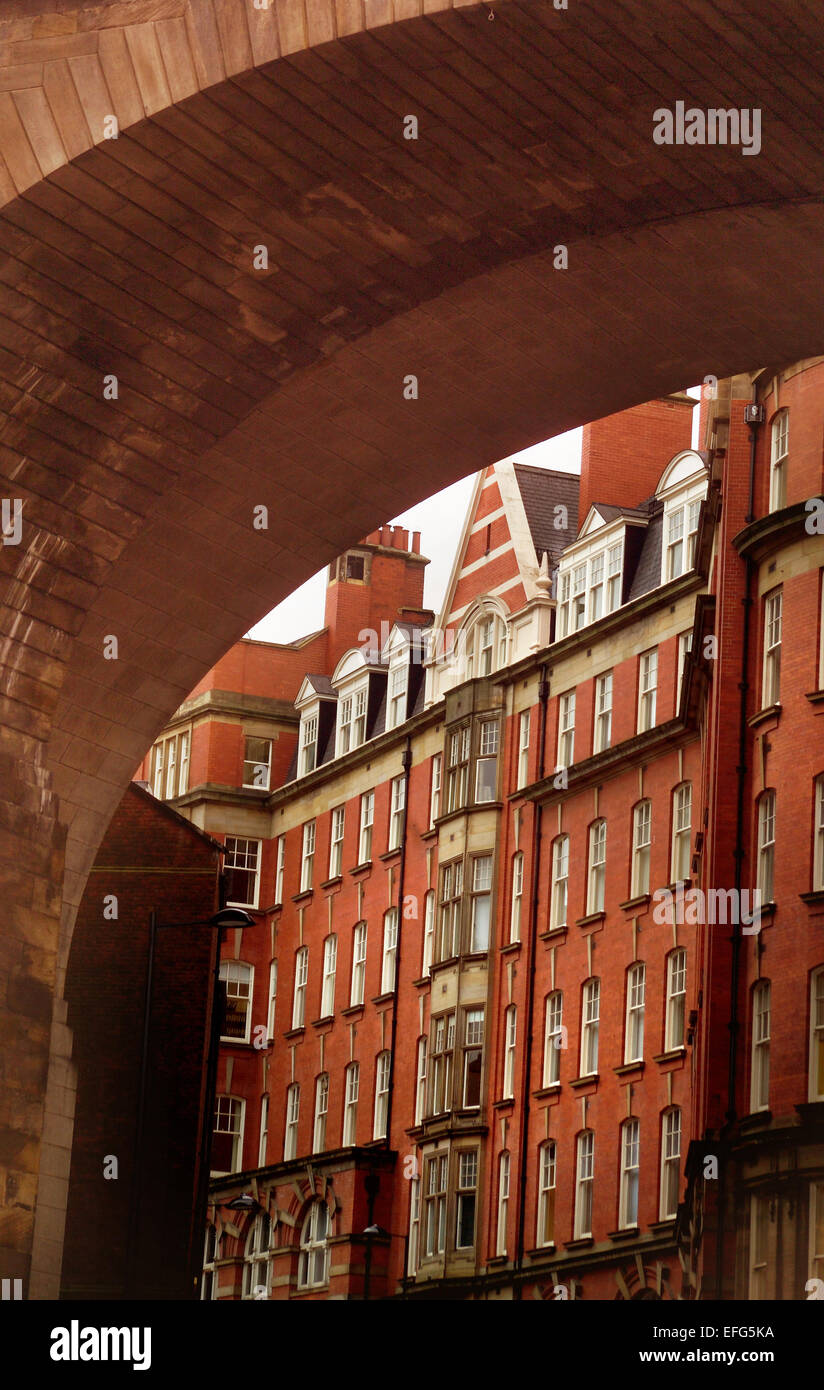 Railway arch above Dean Street, Newcastle upon Tyne - Stock Image