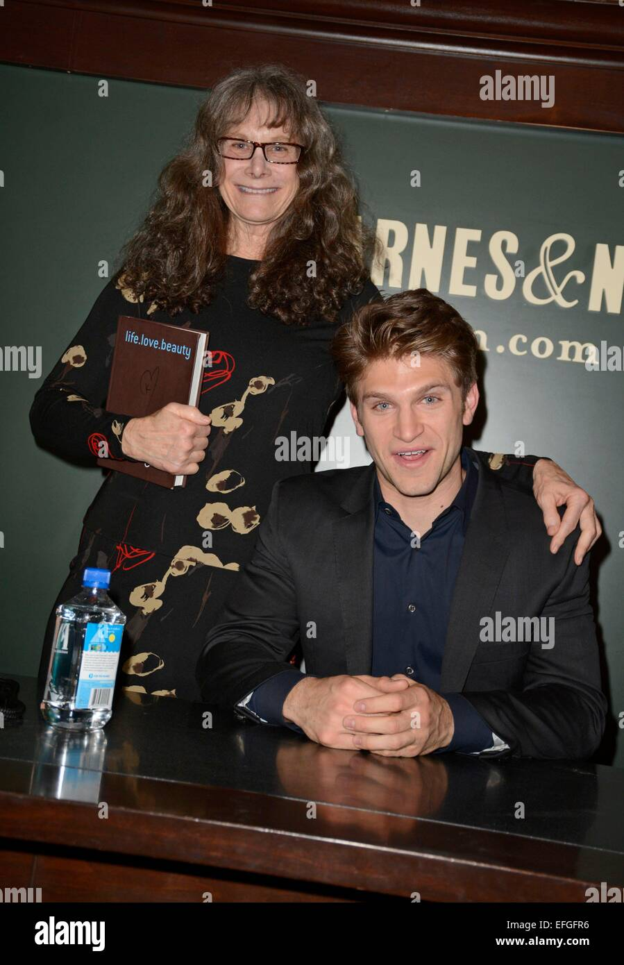 New York, NY, USA. 3rd Feb, 2015. Keegan Allen with mother Joan Snyder at in-store appearance for Keegan Allen Book - Stock Image