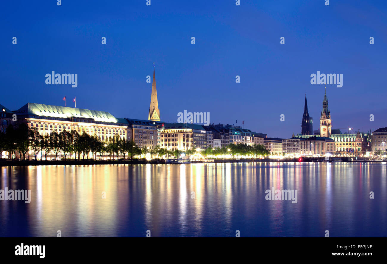 View across the Inner Alster towards representative office buildings, hotels, and commercial buildings on Jungfernstieg Stock Photo