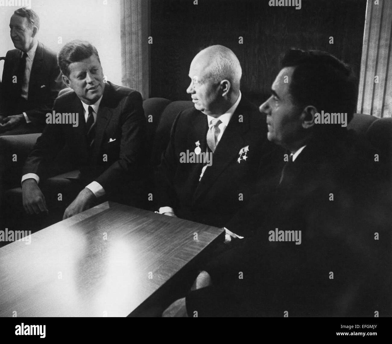 US President John F. Kennedy meets with Soviet leader Nikita Khrushchev  prior to formal talks at the Vienna Summit - Stock Image