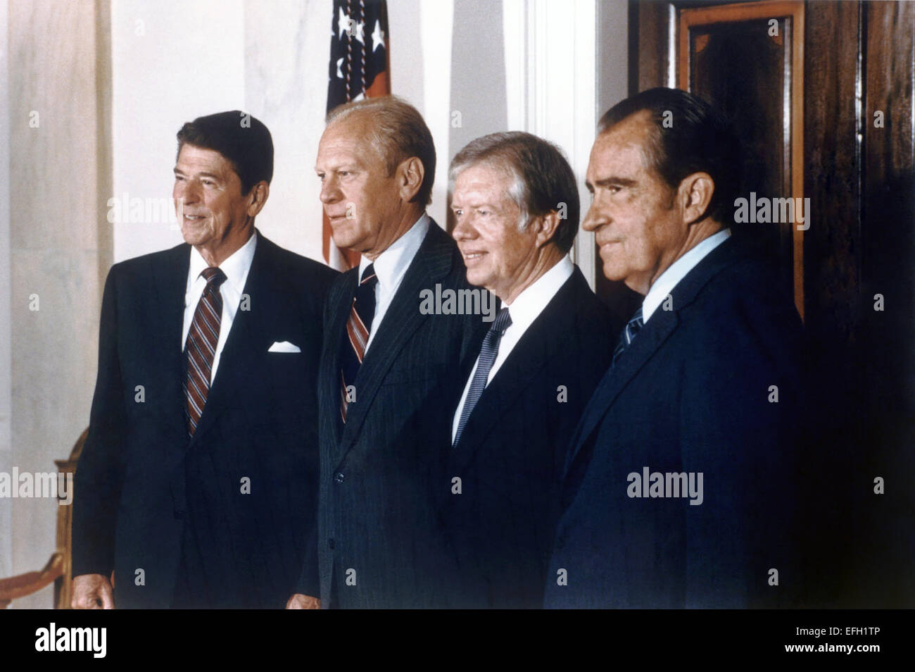 US President Ronald Reagan with former Presidents (L-R) Gerald Ford, Jimmy Carter and Richard Nixon pose for a portrait - Stock Image