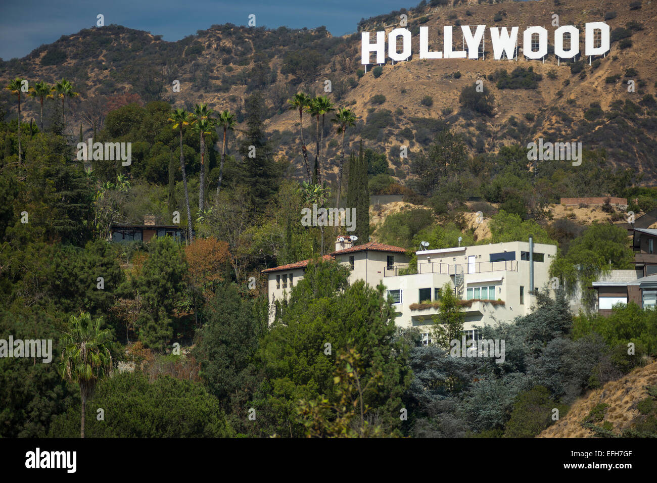 mansions hollywood sign mount lee hollywood hills los. Black Bedroom Furniture Sets. Home Design Ideas