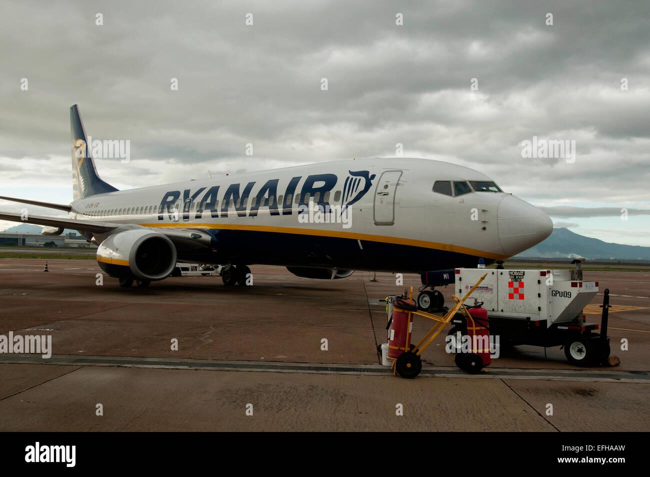 A Ryanair B20 20 at gate, Calgliari Airport Stock Photo   Alamy