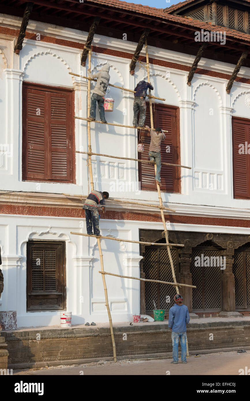 Rickety scaffolding in Durbar Square, Bhaktapur, Kathmandu Valley, Nepal - Stock Image