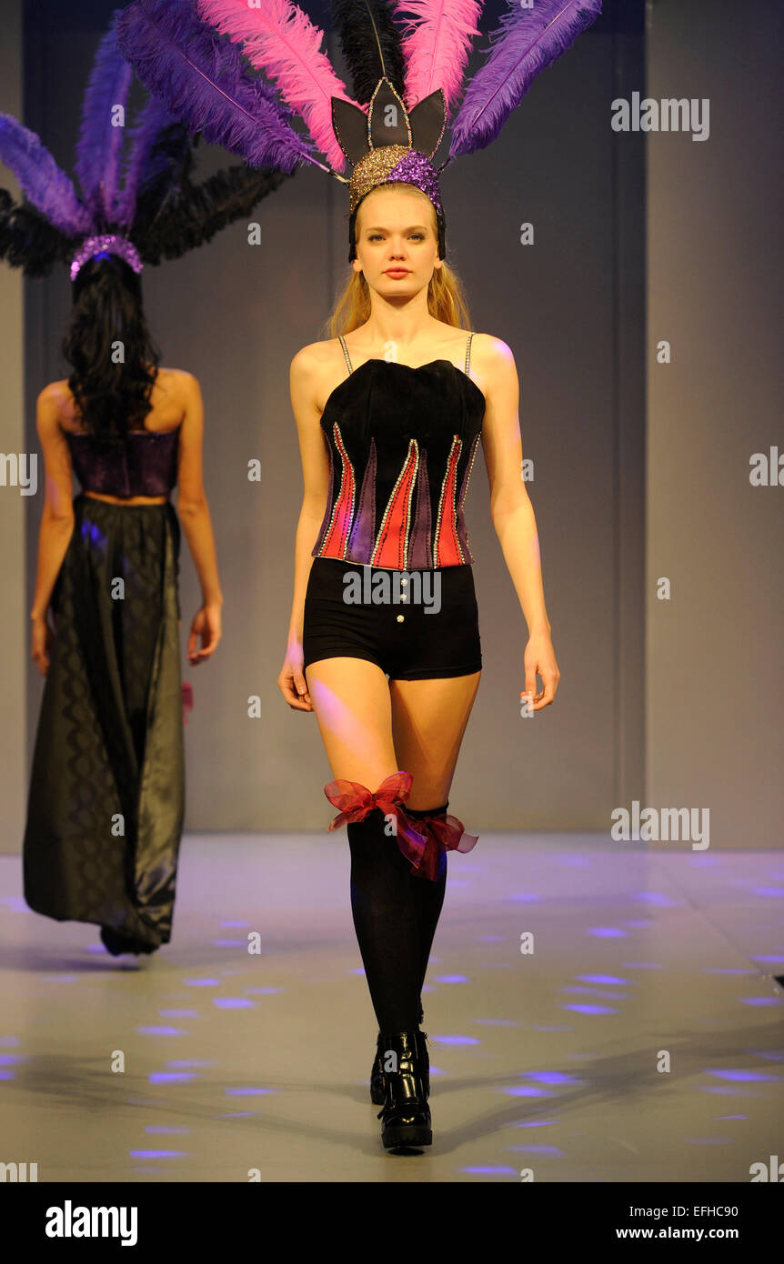 Fashion models wearing Warwickshire College graduate student designs - Stock Image