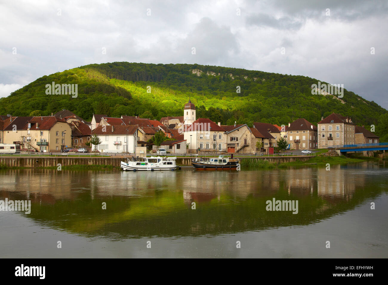 Houseboat in the Doubs-Rhine-Rhone-channel at Clerval, PK 127, Doubs, Region Franche-Comte, France, Europe Stock Photo