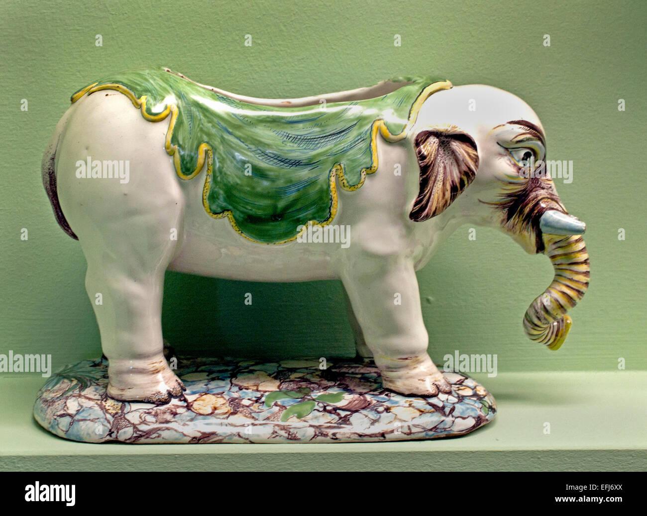 Porcelain Elephant Stock Photos & Porcelain Elephant Stock