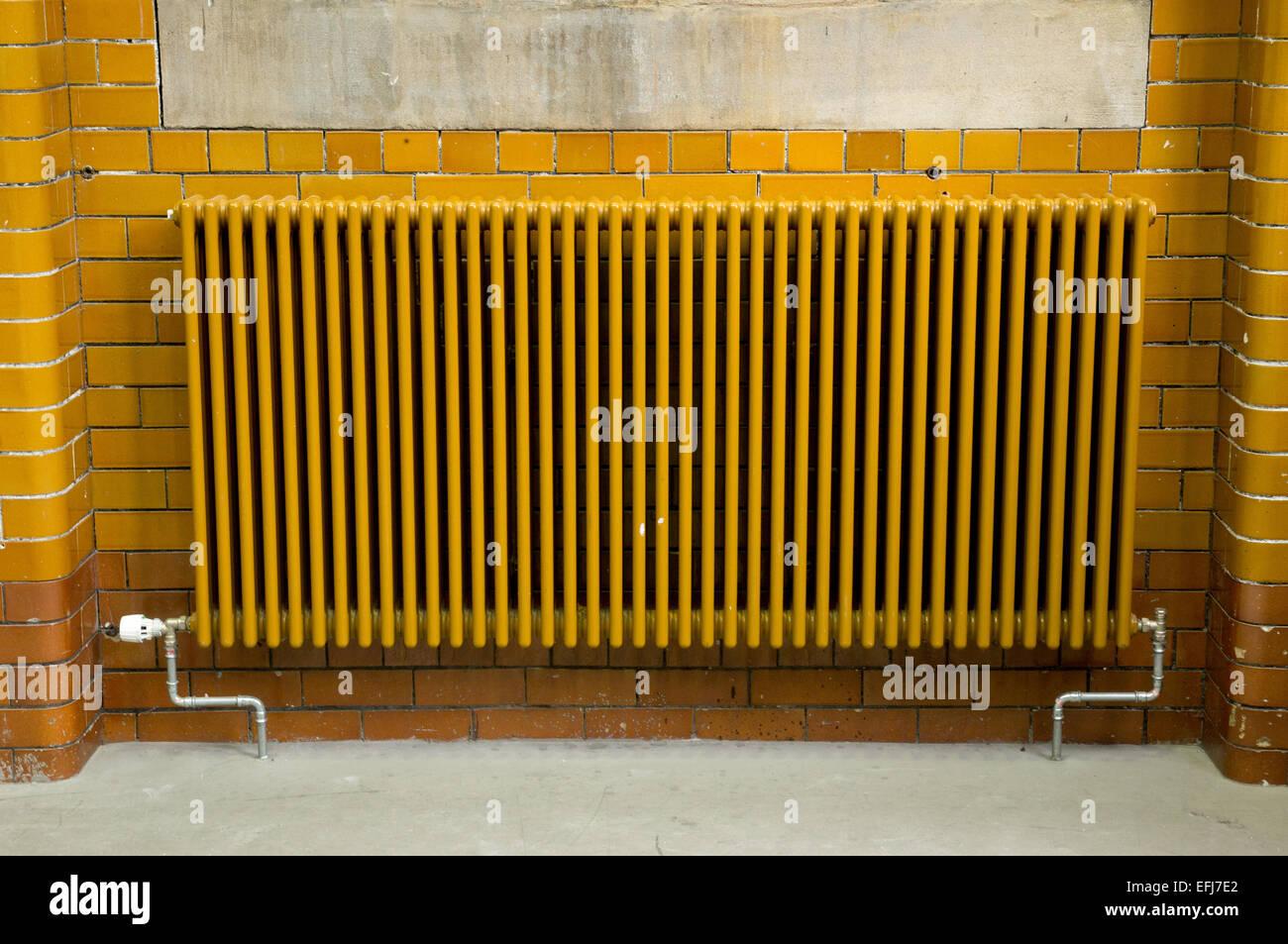 Retro radiator - Stock Image