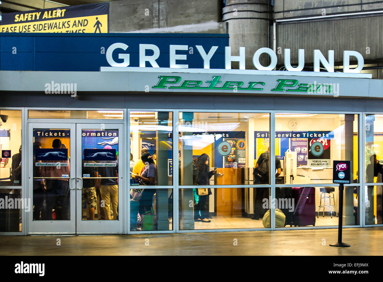 greyhound bus station usa stock photos greyhound bus. Black Bedroom Furniture Sets. Home Design Ideas