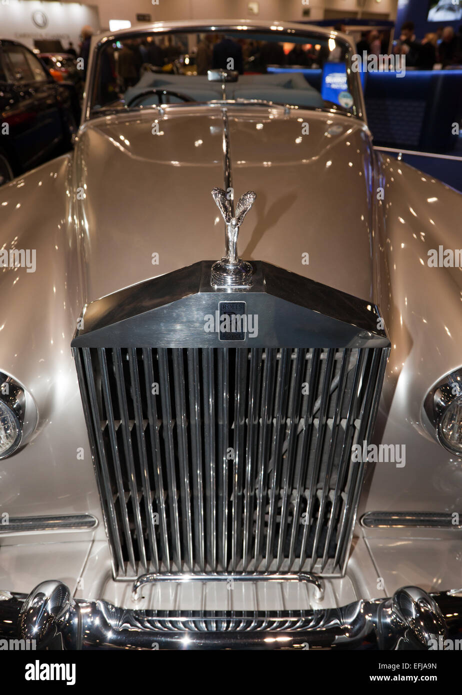 Close-up view of the front of a classic 1959,  Rolls-Royce Silver Cloud II Dophead Coupé ,  by  H.J. Mulliner. - Stock Image