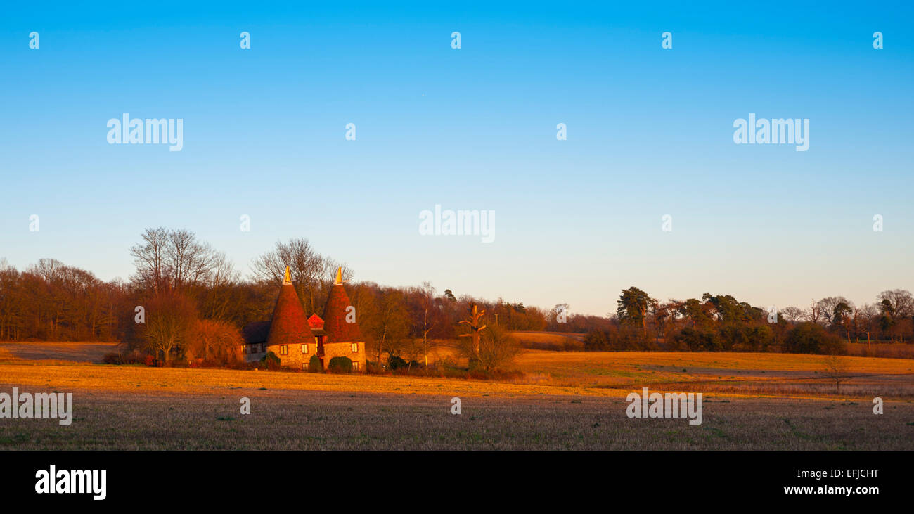 Oast house in Ightam in the Weald of Kent Stock Photo