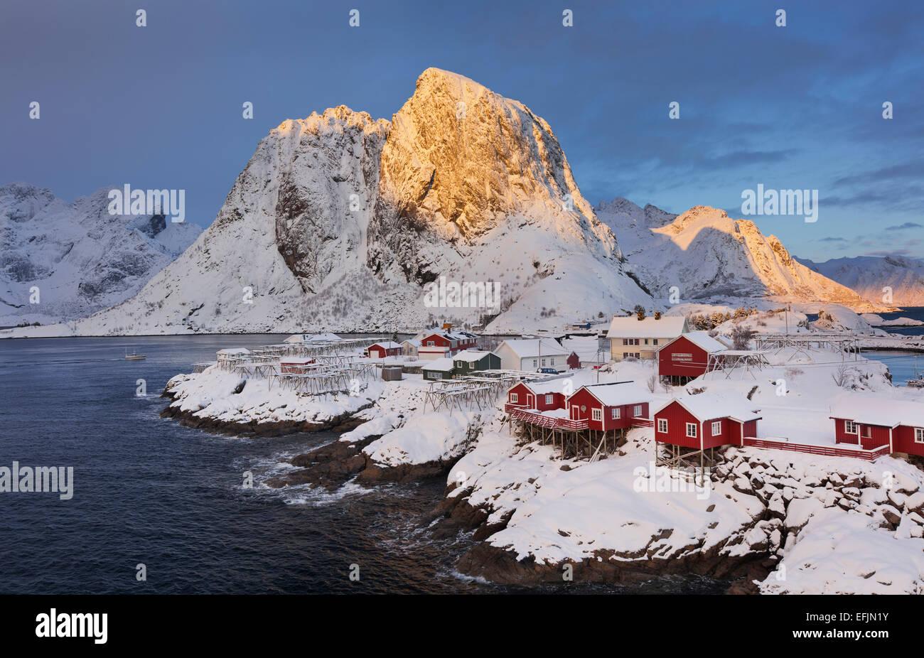 Village of Hamnoy in a winter landscape, Reine, Lilandstindan, Moskenesoya, Lofoten, Nordland, Norway - Stock Image