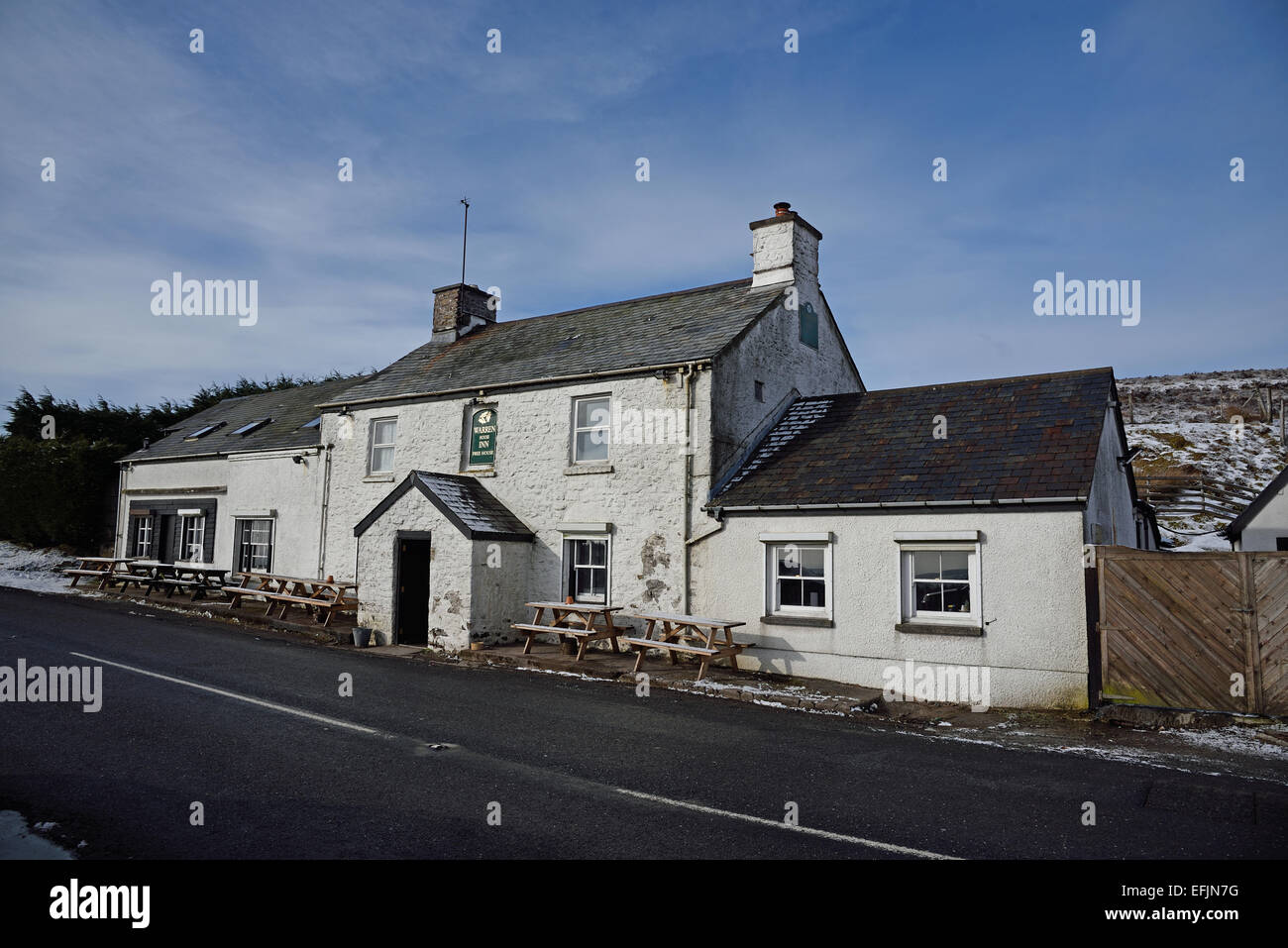 Warren House Inn, near Postbridge, Dartmoor National Park, Devon, UK.  A fire at the inn has been burning since - Stock Image