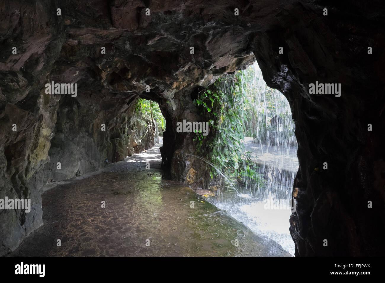 Singapore Botanic Gardens Man Made Waterfall And Cave